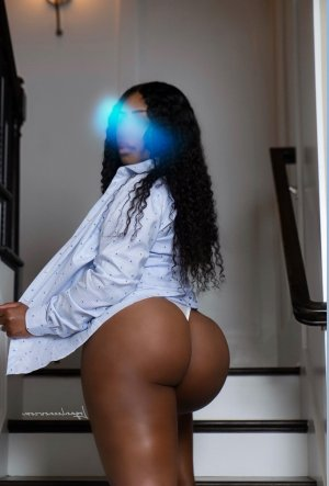 Vickie sex dating in Ocean View and outcall escort