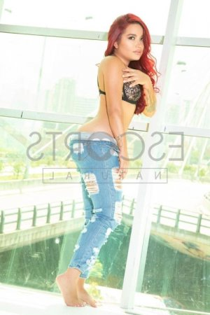Monelle incall escort